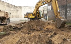 Comenzaron los trabajos de excavación para las piletas