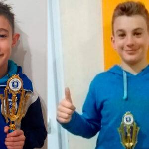 Gonza y Nico recibieron sus trofeos